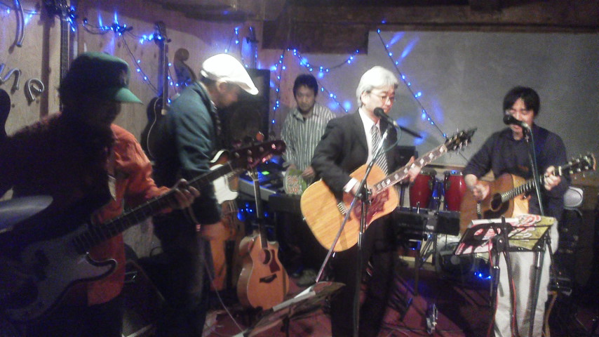 みんなでセッション♪平塚のごきげんライブハウス「パイプライン」